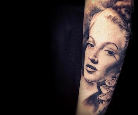 tattoos/ - Lana Turner - 63379
