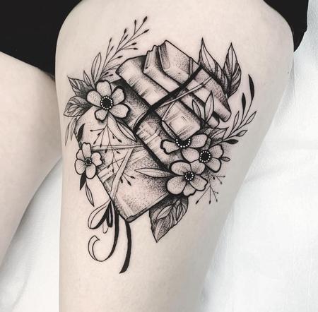 tattoos/ - Books & Flowers - 142512