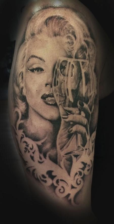 tattoos/ - Zombie Woman - 104360