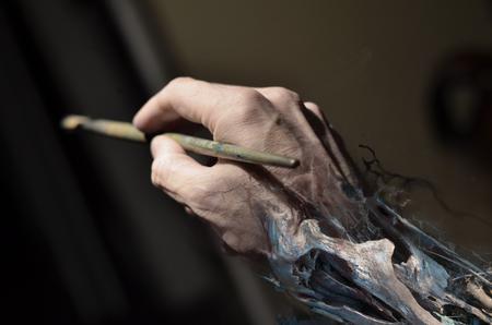 Art Galleries - The artist hand  - 109283