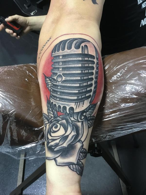 Art Immortal Tattoo : Tattoos : Vintage : Old Microphone and Rose