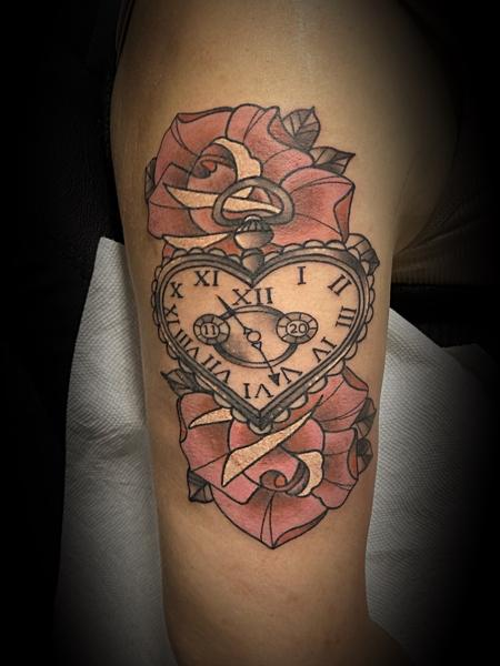 tattoos/ - Heart clock - 142650
