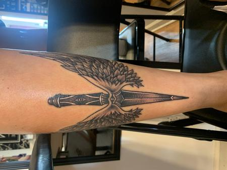 Dagger with wings