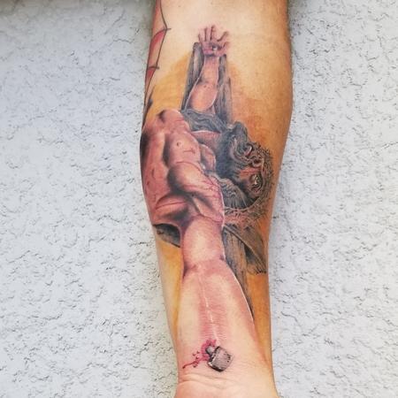 tattoos/ - jesus - 140206