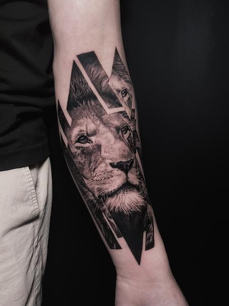 tattoos/ - GLITCHED LION - 143000