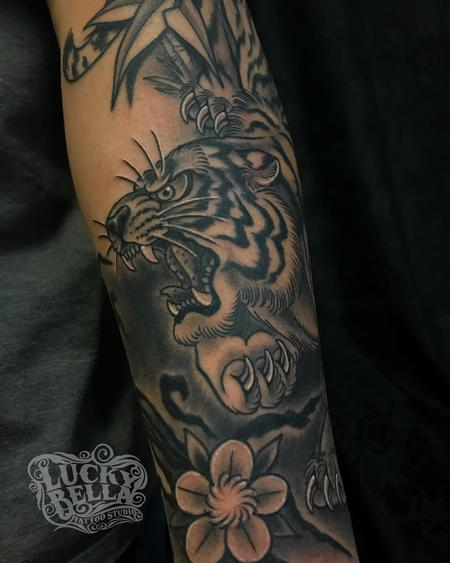 tattoos/ - Black and Grey Tiger Tattoo by Howard Neal at Lucky Bella Tattoos in North Little Rock, AR - 142321