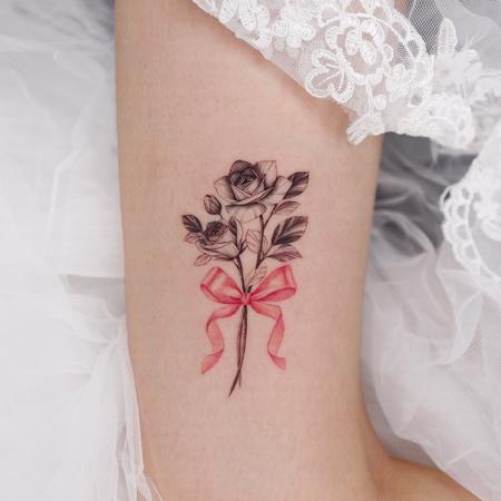 tattoos/ - Flower with Ribbon on Thigh - 142948